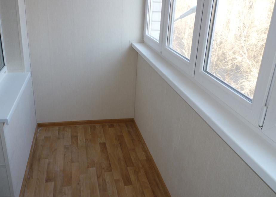 Материал на пол балкона.